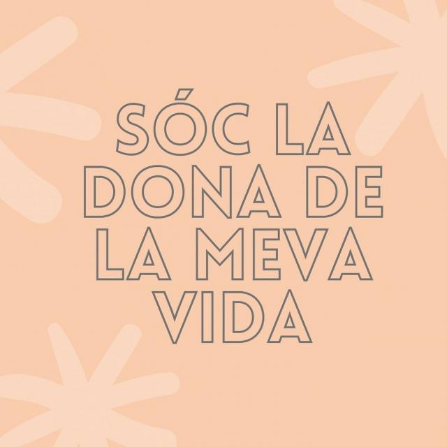 Sóc la dona de la meva vida 💜  La Meritxell Bautista, sòcia de Deim i co-fundadora de Fibracat ha fet unes samarretes i dessuadores en col·laboració amb @enginy_era amb el lema de la seva vida. Enhorabona per l'iniciativa!  #donesemprenedores #donesinnovadores #donesmanresa #deim #donesempresaries #emprenedoria #manresa #diadeladona #diadeladonatreballadora #girlpower #juntessommesfortes